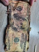 Exchange of dilapidated dollars, euros, Swiss francs